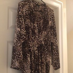 Bell sleeve v neck animal print dress